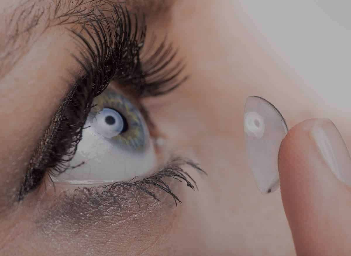 Contact lenses insertion
